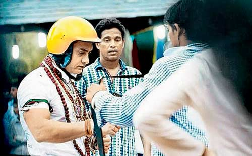 Aamir Khan playing an alien in P.K.?